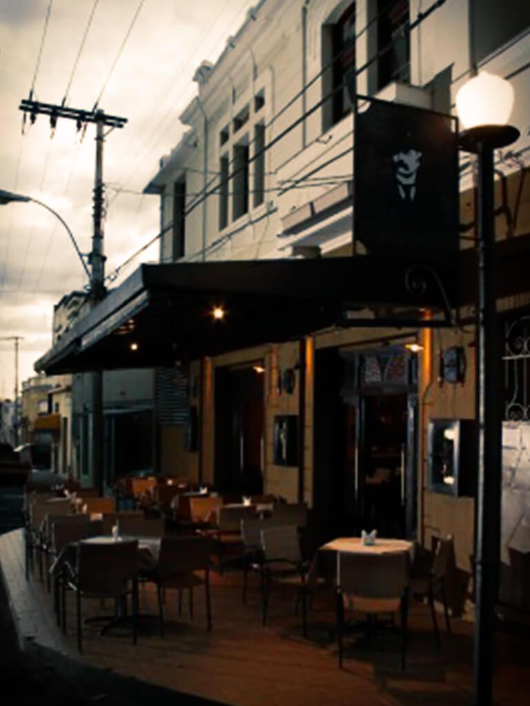 reka-carvalho-comercial-restaurante-comendador-04